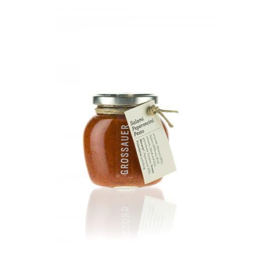 Salami-Peperoncini Pesto von Grossauer