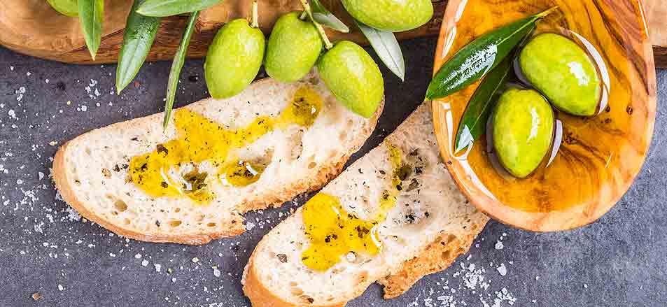 Bitternoten im Olivenöl: Warum Olivenöl bitter schmecken muss