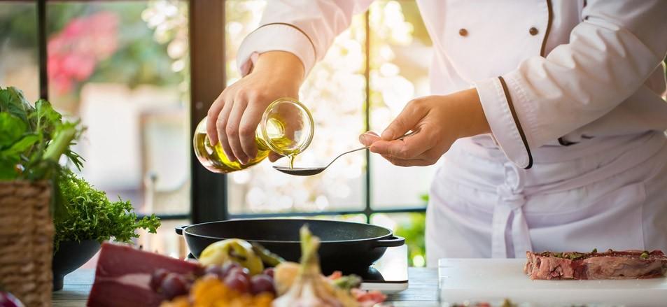 Olivenöl zum Braten: Gesund, hitzestabil und lecker!