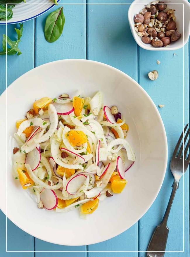 Orangen-Fenchel-Salat mit nussiger Vinaigrette