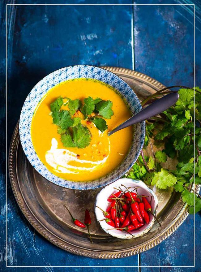 Scharfe Kürbissuppe mit Safran