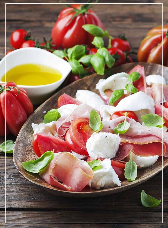 Tomate Mozzarella mit Prosciutto