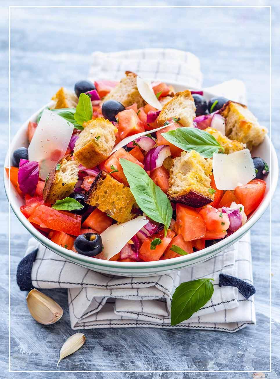 Tomaten-Brot-Salat